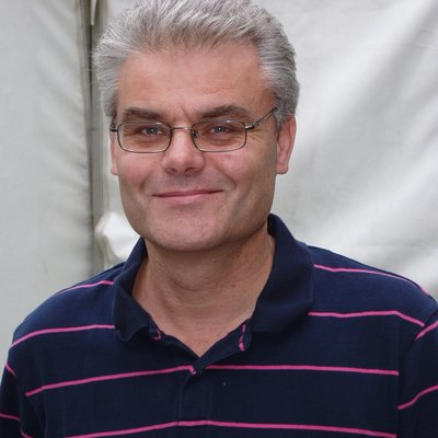 Simon Vibert